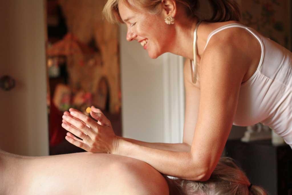 Massage-Joan-butterfly-smile